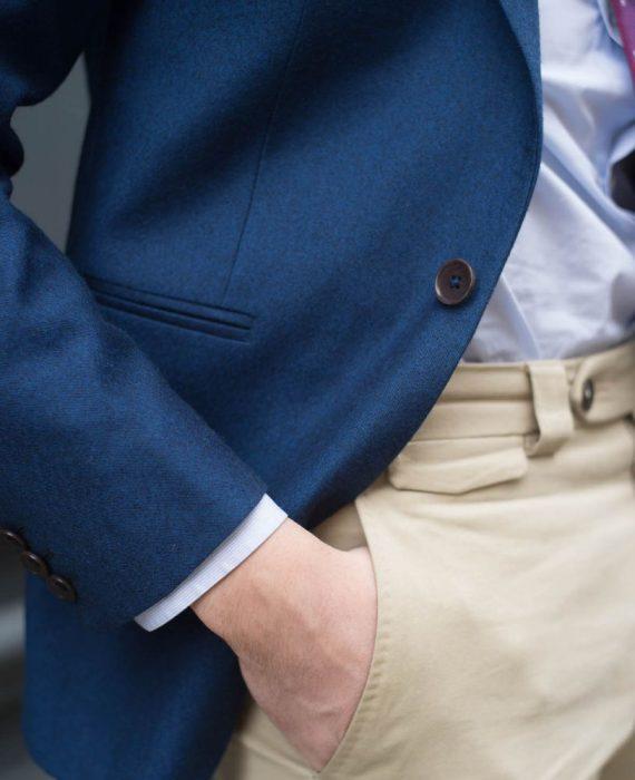 article-confident-costume-mesure-homme-contraste-haut-bas